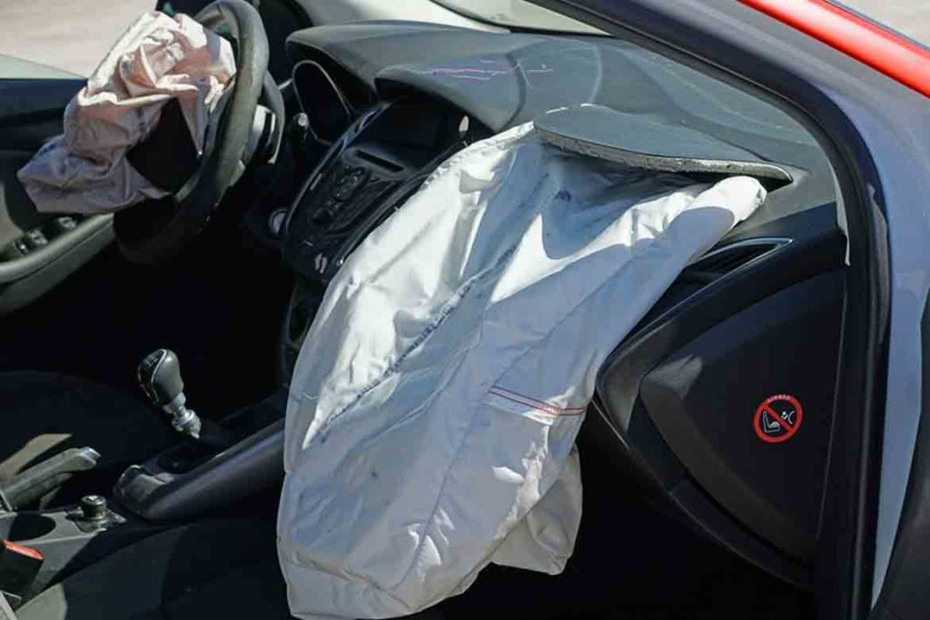 Airbags-compulsory-on